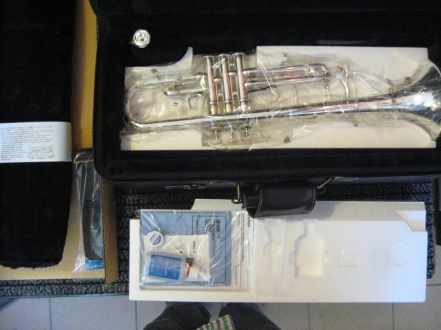 Trabka B Yamaha Xeno Artist model Chicago 9335 chs 02 co jest w pudełku