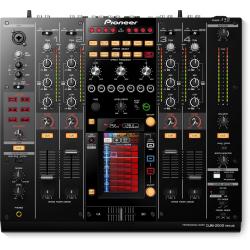 PIONEER DJM-2000NXS mixer...