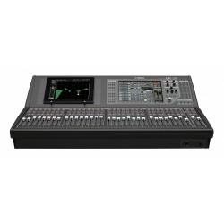 Yamaha QL5 digital mixer...